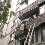 Спасатели в сумах предотвратили падение ребенка с балкона тр.